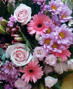 All Flowers, Pretty Flowers, Flower Power, Tulips, Floral Wreath, Bloom, Wreaths, Colours, Pearls
