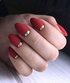 A Stunning Wedding Nail Art Design for Your Big Day