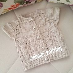 """[ """"Gorgeous knitted girls short sleeve cardigan - love it! - ayşe kayalı - Welcome to the World of Decor! Baby Knitting Patterns, Baby Hats Knitting, Knitting For Kids, Easy Knitting, Knitting Stitches, Baby Patterns, Knitted Hats, Baby Vest, Baby Cardigan"""