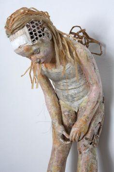 Valli-Nomidou-clay-sculptures-4.jpg