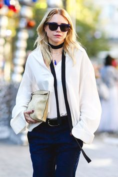 689399d91613 A Blogger-Approved Way To Style An Ultra-Skinny-Scarf