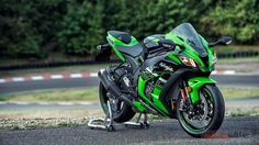 2016 Kawasaki Ninja ZX – 10 R - Autos und Motorrader Kawasaki Ninja, Kawasaki Motorcycles, Racing Motorcycles, Motorcycle Helmets, Custom Motorcycles, Motorcycle Tips, Custom Baggers, Motorcycle Quotes, Motorcycle Engine