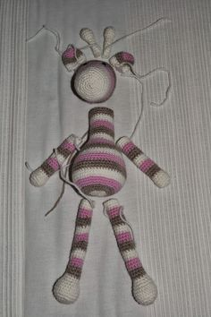 Onnen ommel: Virkattu kirahvi - ohje Crochet Stitches, Knit Crochet, Amigurumi Toys, Hobbit, Dream Catcher, Crochet Necklace, Homemade, Knitting, Kids