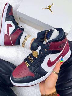 Jordan 1, Nike Air Jordan, Air Jordan Sneakers, Jordans Sneakers, Air Jordans, Shoes Sneakers, Moda Sneakers, Latest Sneakers, Sneakers Fashion