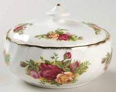 Royal Albert Old Country Roses Round Box with Lid