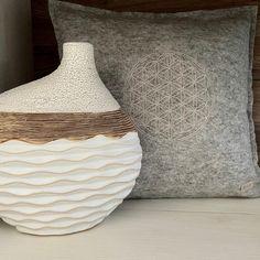 Go to Top interior design trends Mug Design, Decoration, Design Trends, House Design, Interior Design, Home Decor, Flower Of Life, Home Decor Accessories, Handarbeit
