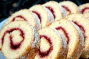 Swiss Roll in 6 Minutes Czech Recipes, Russian Recipes, My Recipes, Sweet Recipes, Cake Recipes, Favorite Recipes, Good Food, Yummy Food, Romanian Food