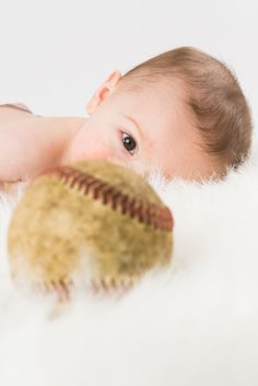 6 month old baby boy pictures. Keep your eye on the ball - Carlo Vivenzio Photography Use a tiny avenger instead. Toddler Pictures, Baby Boy Pictures, Newborn Pictures, Newborn Photography Tips, King Photography, 6 Month Old Baby, Six Month, Picture Ideas, Photo Ideas