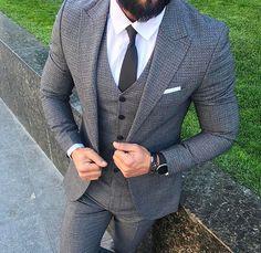 4,016 отметок «Нравится», 1 комментариев — Erkek Giyim Perakende & Toptan (@ng.moda) в Instagram: «New Season Suit ✔️ Yeni Sezon Takım Elbise⚡️Yeni Ürünümüz Stokta  KAPIDA ÖDEME  İMKANI !  SİPARİŞ…» Suit Fashion, Daily Fashion, Fashion Outfits, Womens Fashion, Fashion Clothes, Grey Suit Wedding, Gentleman Style, Gentleman Fashion, Mens Gear