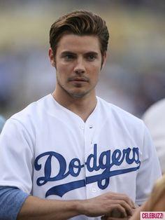 Josh Henderson is a Dodgers fan!!!!!!!!!