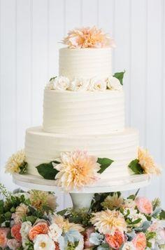 Wedding Cake, Lulu Cake Boutique; Photo: Justin & Mary - New York Wedding http://caratsandcake.com/SophieandZach