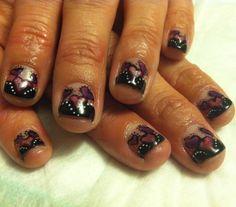 Amazing Black Tips & Hearts on short nails
