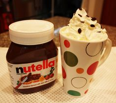 Repeat Crafter Me: Crockpot Nutella Hot Chocolate.we are big Nutella fans going to try this. Fun Drinks, Yummy Drinks, Beverages, Holiday Drinks, Holiday Ideas, Alcoholic Drinks, Yummy Treats, Sweet Treats, Yummy Food