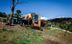 Dock4 Architects' second project on Tasmania's beautiful Bonnet Hill helped the team to cement its relationship with the island, but also forged strong connections between architects, clients and the land. Drawing inspiration from the surrounding wild ...