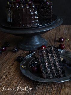 Black Velvet Cake @ Not Quite Nigella Black Velvet Cake Recipe, Black Velvet Cakes, Black Cake Recipe, Cupcakes, Cupcake Cakes, Just Desserts, Delicious Desserts, Black Dessert, Cake Recipes