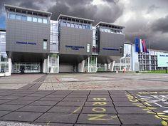 Nová moderná budova Žilinskej univerzity v Žiline Basketball Court, Sports, Hs Sports, Sport