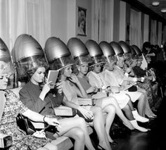 """The contestants for the 1967 Miss World beauty title, photographed at a london salon having their fInal """"hair do"""" before the contest. Vintage Hair Salons, Salon Pictures, Salon Art, Bobe, Beauty Contest, Vintage Swimsuits, Roller Set, Miss World, Vintage Hairstyles"""