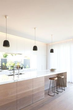 Interior Design Kitchen - 16 Staggering Scandinavian Kitchen Designs For Your Modern House is a new interior design collection with many modern kitchen designs. Kitchen Ikea, New Kitchen, Kitchen Decor, Kitchen Modern, Kitchen White, White Kitchens, Kitchen Wood, Awesome Kitchen, Kitchen Backsplash