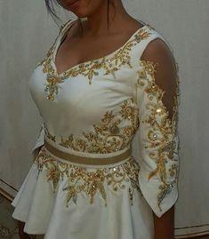 Royal Dresses, Indian Dresses, Caftan Dress, Hijab Dress, African Print Fashion, Indian Fashion, Designer Wear, Designer Dresses, Dress Design Sketches