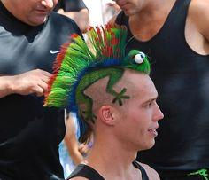 Chameleon Mohawk for crazy hair day! Crazy Hair Day At School, Crazy Hair Days, Bad Hair Day, Poorly Dressed, Hair Tattoos, Piercing Tattoo, Hair Humor, Hair Art, Haircuts For Men
