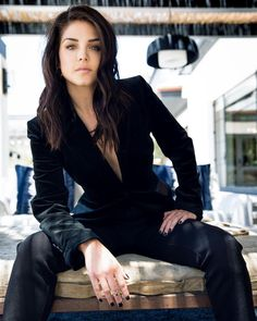 Canadian Actresses, Actors & Actresses, Maria Avgeropoulos, Classy Aesthetic, Lady And Gentlemen, Beautiful Celebrities, Gorgeous Women, Celebrity Crush, Nice Tops