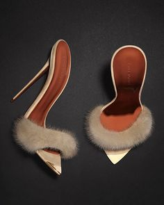 'Smoking Slippers' in colour 'Cigar Ash'. ⠀ ⠀ ⠀ ⠀ ⠀ ⠀ ⠀ ⠀ ⠀ ⠀ Slip on, stay in, or slip out in casual unadulterated sex appeal. Zapatos Shoes, Shoes Heels, Pumps, Prom Heels, Stilettos, Cute Shoes, Me Too Shoes, Talons Sexy, Smoking Slippers
