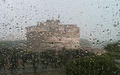 Questa foto di Castel S. Angelo a Roma sembra ritoccata, ma non lo è. Se riuscissimo ancora a sognare, nonostante tutto?