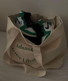 Aesthetic Shoes, Beige Aesthetic, Jordan Shoes Girls, Girls Shoes, White Nike Shoes, Hype Shoes, Bow Sneakers, Dream Shoes, Shoe Game