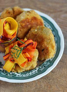 burczymiwbrzuchu: Wtorek z kaszą #22: Kotleciki jaglane z pieczoną dynią i marynowaną marchewką