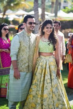 Bridal Lehenga Photos | Sarees & Anarkalis | Designer Wear - Wedmegood