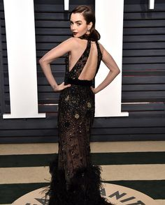Lily Collins (@lilyjcollins)