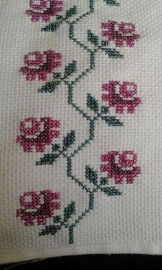 Cross Stitch Geometric, Cross Stitch Borders, Cross Stitch Alphabet, Cross Stitch Flowers, Cross Stitch Designs, Cross Stitching, Cross Stitch Patterns, Towel Embroidery, Hand Embroidery Stitches