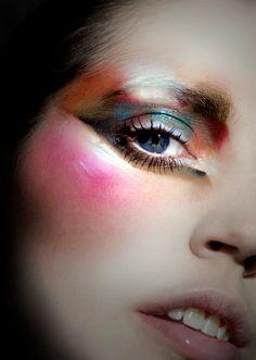 so interesting and inspiring. makeup artist ellis faas