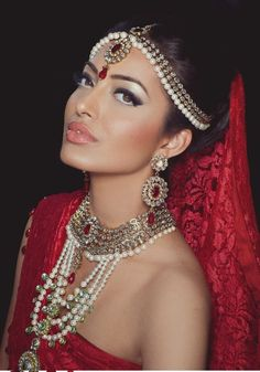 the bridal jewelry. Pearl and kundan jewelry flawless wedding makeup