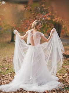 Photography : Studio Impressions Read More on SMP: http://www.stylemepretty.com/destination-weddings/2015/08/12/ballerina-autumn-styled-inspiration-shoot/