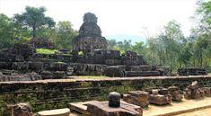 My Son, serene Vietnamese Hindu temples ~ Batnomad My Son Temple, Temple Ruins, Hindu Temple, Thailand Destinations, Thailand Travel, Visit Vietnam, Vietnam Travel, Beautiful Places To Visit, Places To See