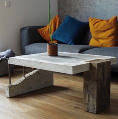 The coffee-table is finished. I brought him to my dear friends to Aachen last weekend . Der Couchtisch ist nun fertig und ich habe ihn… Source by dosomthin Table Beton, Concrete Table, Concrete Furniture, Wood Table, Furniture Plans, Cool Furniture, Furniture Design, System Furniture, Outdoor Furniture