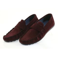 Mokopolas brand Nikopol with the designation 1688 are footwear dedicated to men demanding in terms of style and clothing. The shoes are made of soft natural leather that makes Moccasins Mens, Burgundy Color, Natural Leather, Suede Leather, Loafers Men, Oxford Shoes, Dress Shoes, Slip On, Footwear