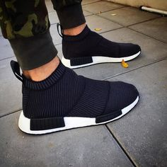 9f9fd8475 ADIDAS Women s Shoes - Adidas NMD R2 - Womens Size 8 - Authentic ...