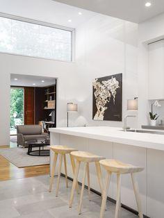 Aluminum Louvers Add Light, Style to Toronto Home - http://freshome.com/aluminum-louvers-toronto-home/