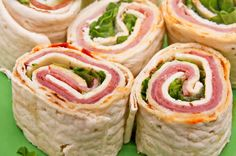 8 different Pinwheel recipes.i love pinwheel recipes! Think Food, I Love Food, Good Food, Yummy Food, Tapas, Finger Food Appetizers, Appetizer Recipes, Party Appetizers, Pinwheel Appetizers