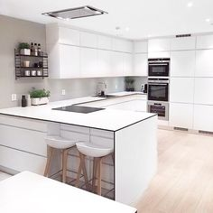 The stunning white kitchen of follower @frujosefsen | ImmyandIndi