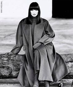 Carla Bruni for Max Mara AW 2003 | photo: Max Vadukul