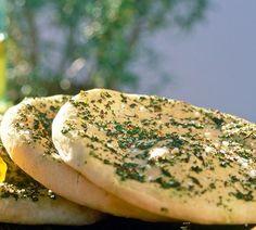 Rezept für Wolkenbrot. So könnt ihr das glutenfreie Brot mit viel Eiweiß nachmachen!