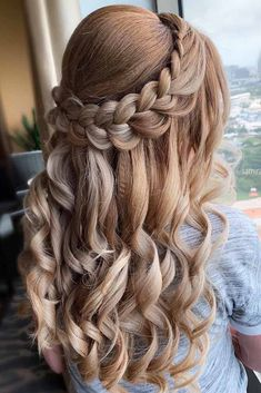 Wavy Braided Half Up Hairstyles .,Wavy Braided Half Up Hairstyles ❤ Choosing the style for your homecoming hair may be a long and tiresome. Sweet 16 Hairstyles, Quince Hairstyles, Pretty Hairstyles, Wedding Hairstyles, Evening Hairstyles, Braided Hairstyles Tutorials, Box Braids Hairstyles, Hairstyles Haircuts, Hair Tutorials