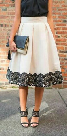 Black top, nude midi skirt , high heels and a bag Black top, midi skirt, high heels and a bag Modest Outfits, Skirt Outfits, Modest Fashion, Dress Skirt, Lace Skirt, Midi Skirt, Dress Up, Fashion Outfits, Womens Fashion