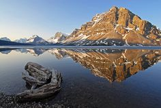 Bow Lake, with Crowfoot Mountain in the background