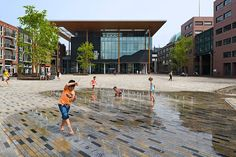 Splash pad in Wilhelmina Square, Leeuwarden, NL, redesigned by HOSPER in 2009-11. Click image for a fully-illustrated description, and visit the slowottawa.ca boards >> http://www.pinterest.com/slowottawa/