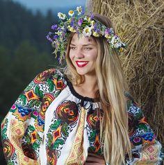 Handmade in 5 working months - The Romanian blouse is a piece of art. Vishivanka - Romanian folk costume top - worldwide shipping!