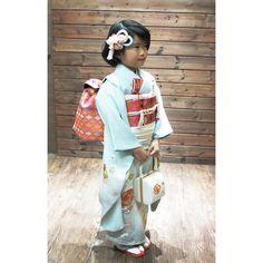 いいね!83件、コメント0件 ― 着物レンタル Madoi(@madoi_rental)のInstagramアカウント: 「2019年_七五三のお客様  昨年、七歳さんのお祝いに 円居をご利用いただきましたお客様  鎌倉からいらしていただいたお嬢様  さすがおばあちゃまのお見立てで #京都おはりばこさん の髪飾りまでが…」 Kimono Top, Instagram, Tops, Women, Fashion, Moda, Women's, Fasion, Trendy Fashion
